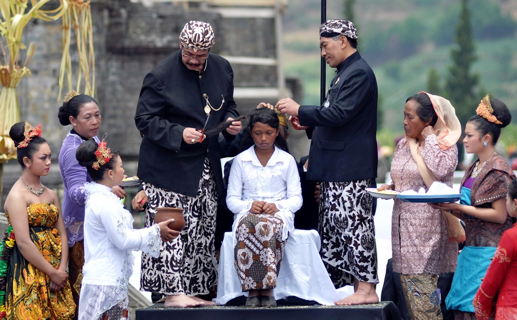 The Dreadlock kids of Dieng and their Shaving Rites